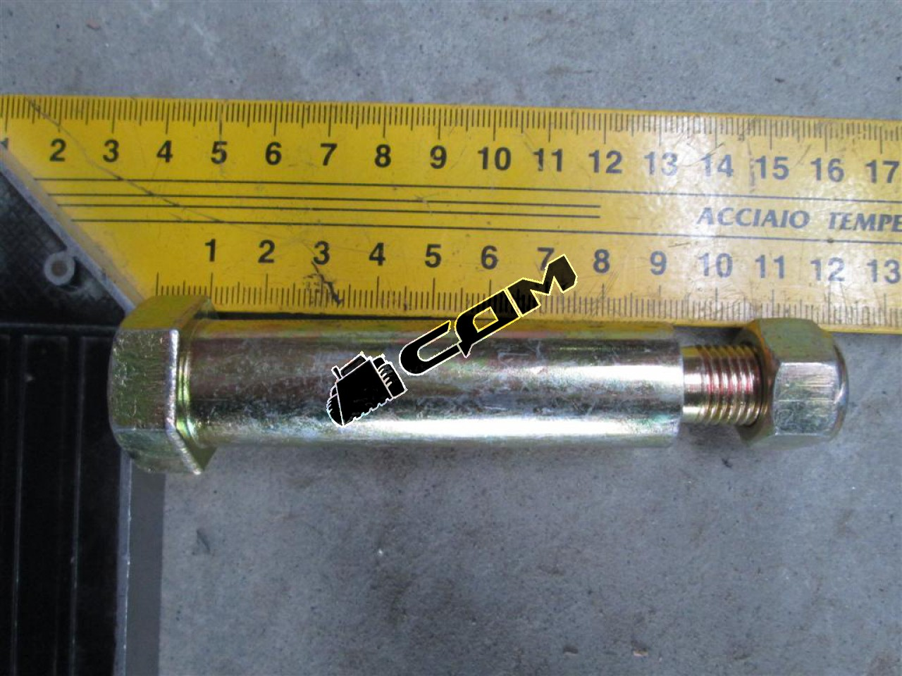 Болт крепления переднего стабилизатора с гайкой H2/H3 HOWO / HOWO A7  199100680069